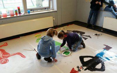 Kunstenaars in de dop bij de Welpen