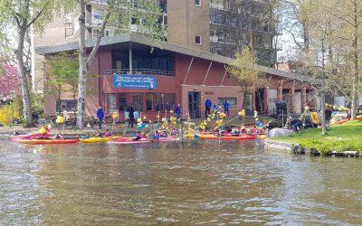Waterscouts blij met nieuwe kano's